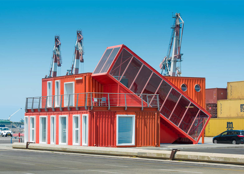 shipping-container-staircase4